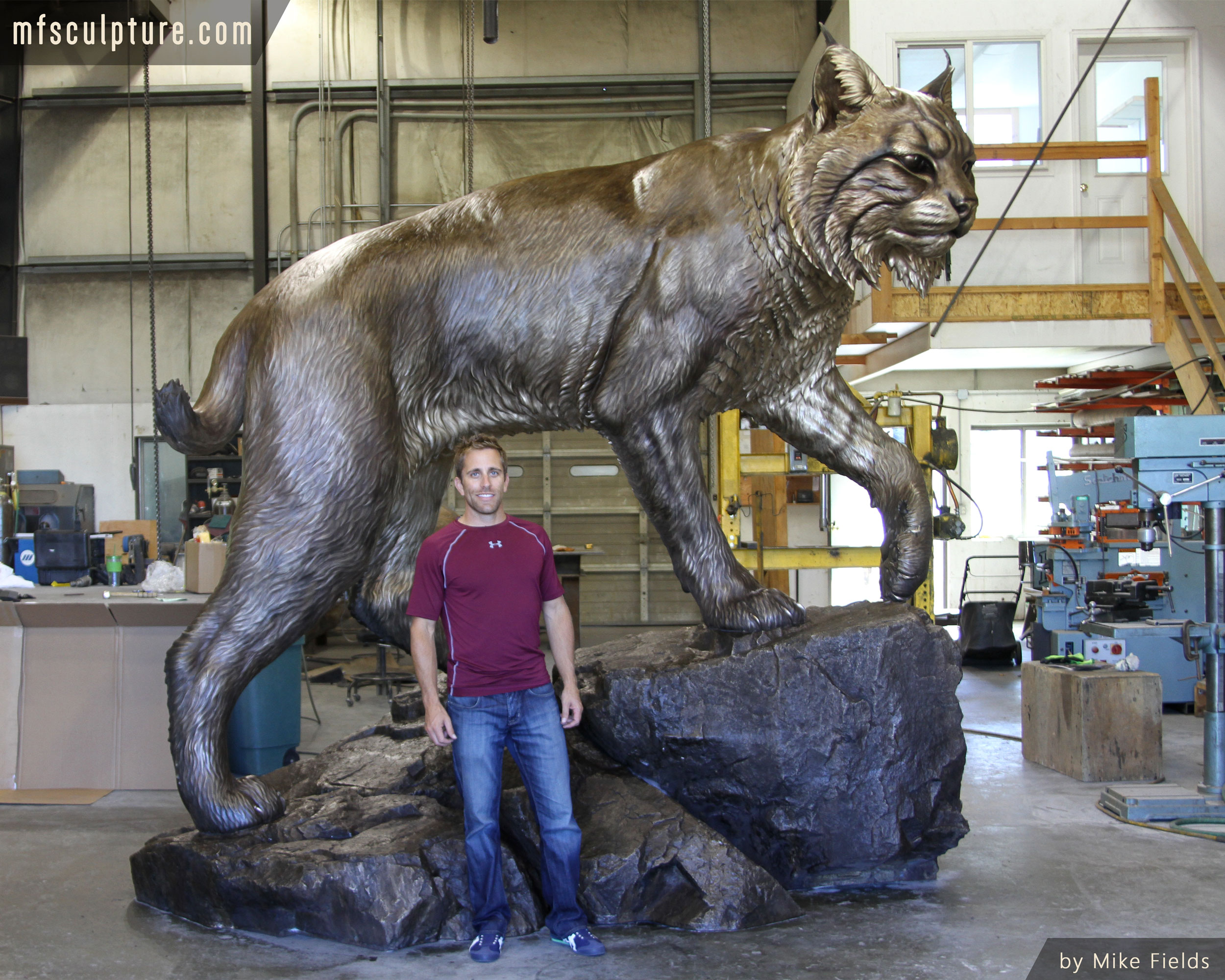 Wildcat-Sculpture-University-Monument-Mascot-Mike-Fields